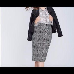 Lane Bryant  MIDI zipper skirt size 20